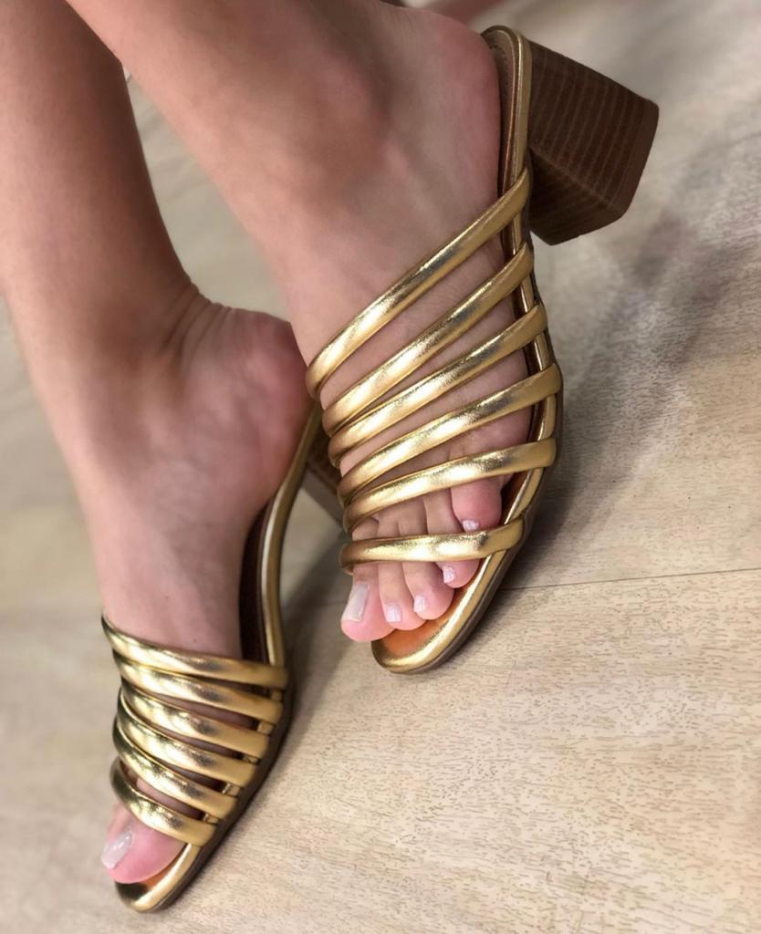 Tamanco Agda Metalizado Ouro