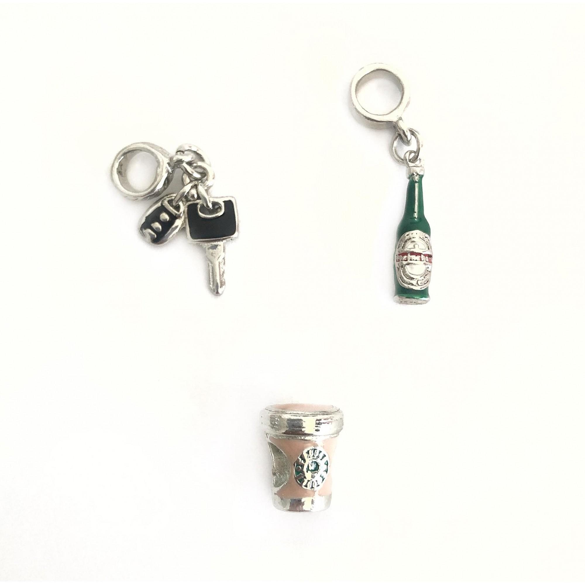 Berloque: Chave do carro, cerveja e coffee