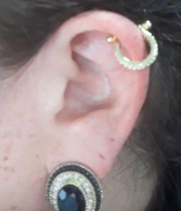 Piercing 2 em 1 duplamente cravejado em zircônias haste aço cirúrgico folheado