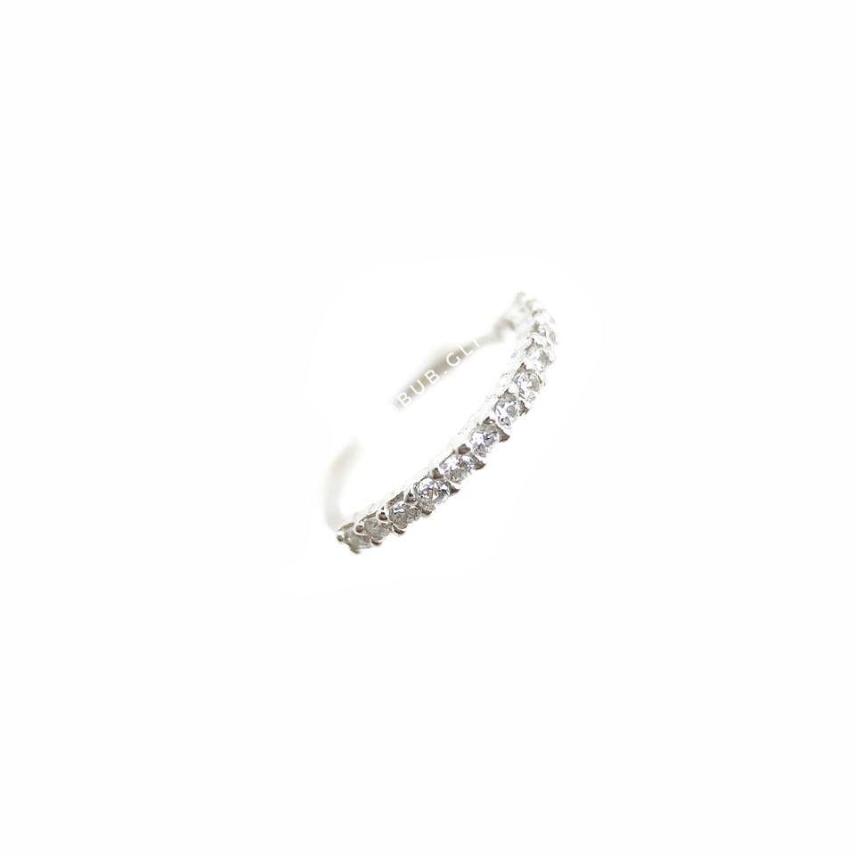 Piercing argola fininha de nariz cravejada em zircônias brilhantes Prata 925