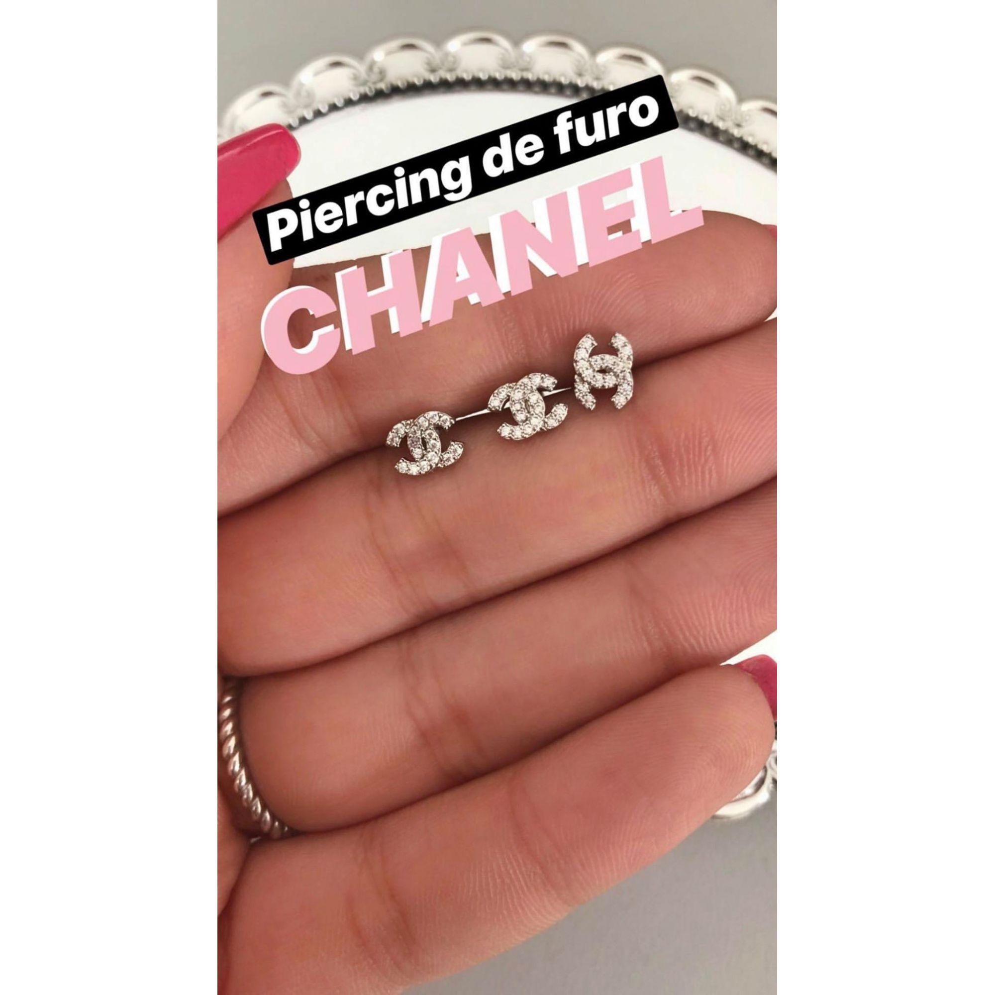 Piercing channel cravejado em zircônias