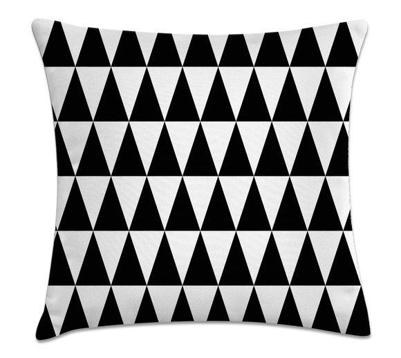 Almofada Decorativa Cheia Triângulo Preto com Zíper 40x40cm