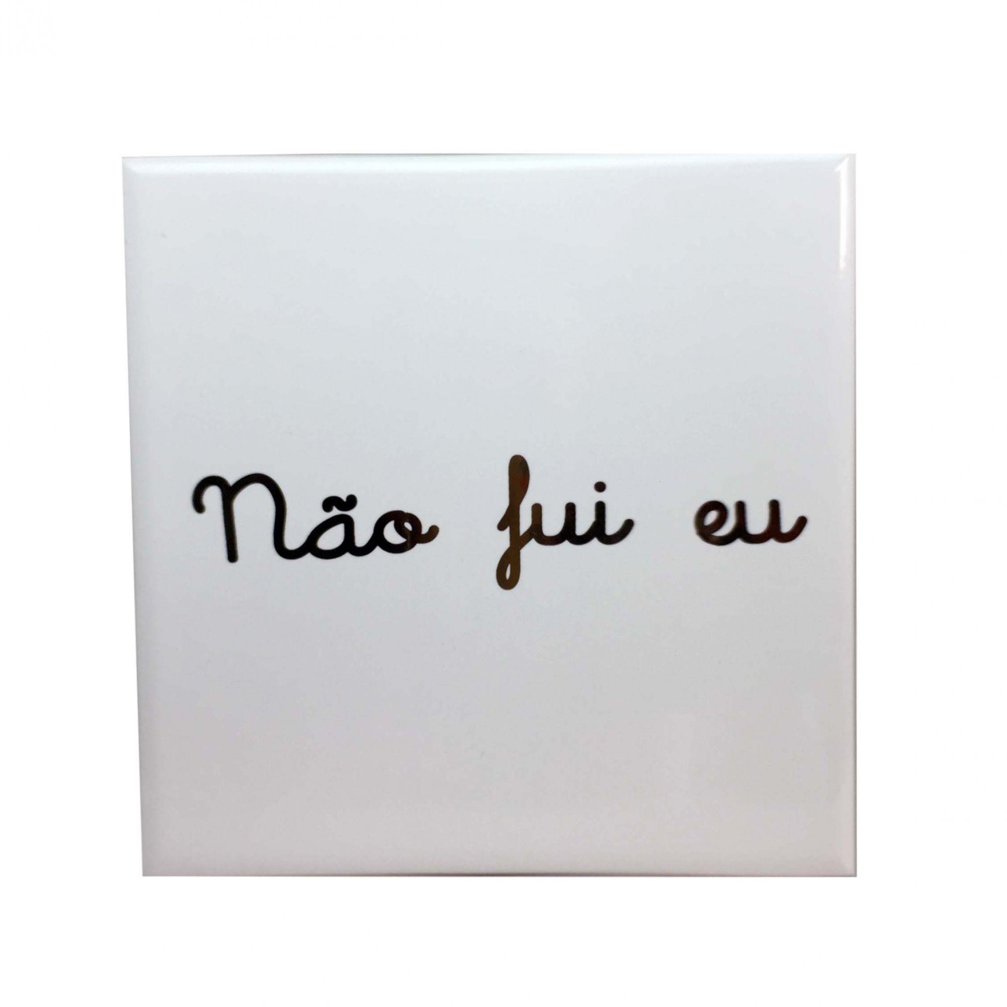 Azulejo Quadrado Branco com Escrito Dourado