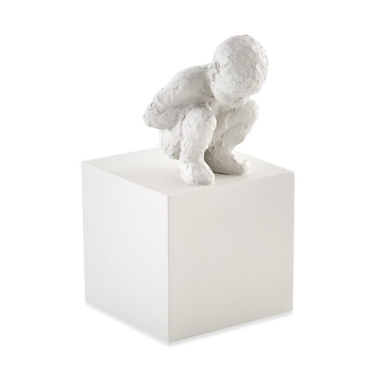 Escultura Pessoa Menino Pensando Cinza Claro