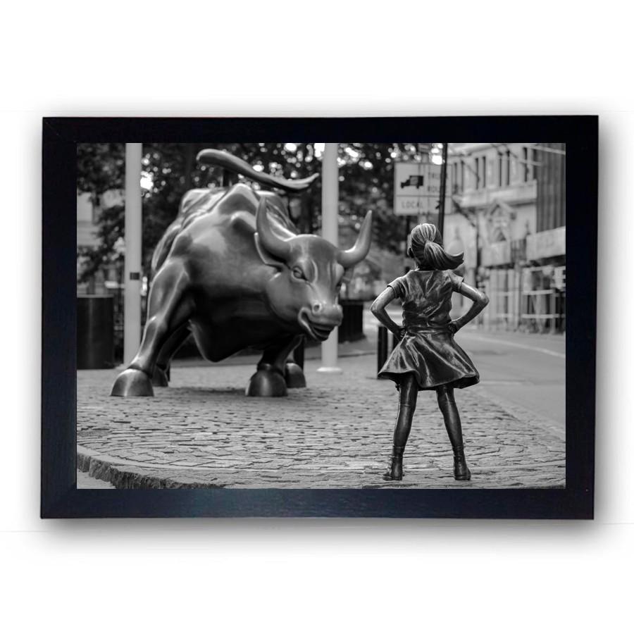 Quadro com Moldura Fearless Girl Wall Street Preto e Branco 42x30cm