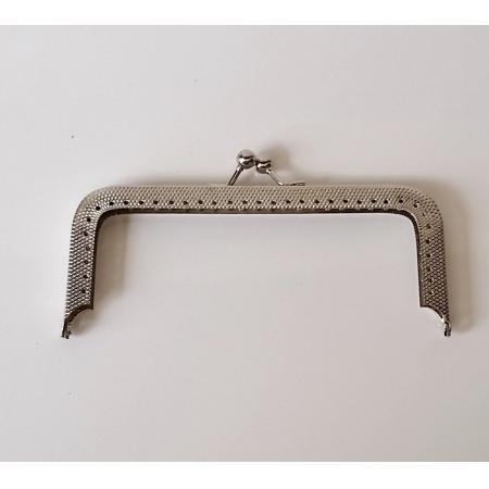 Armação 12cm x 5cm c/ furos p/ costura Niquelada