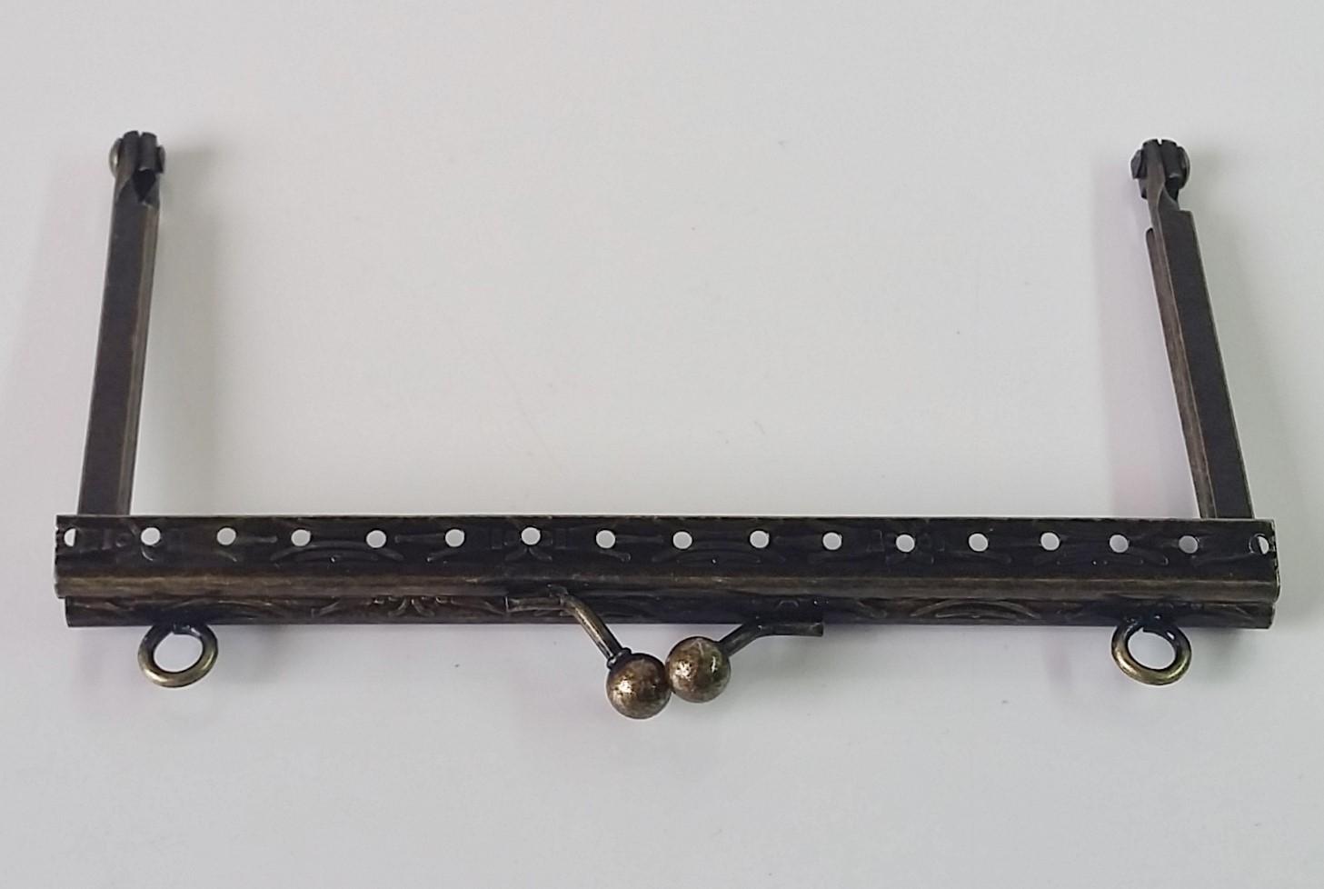 Armação 12cm x 6cm Desenhada c/ furos e argolas Ouro Velho