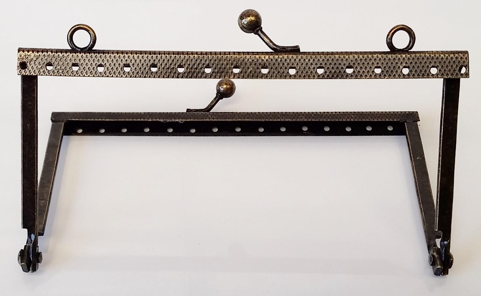 Armação 12cm x 6cm Gravada c/ furos e argolas Ouro Velho