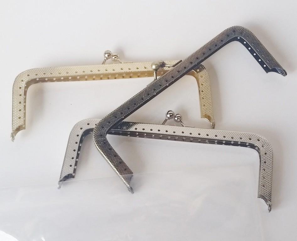 Armação 14cm x 5cm c/ furos p/ costura Latonada