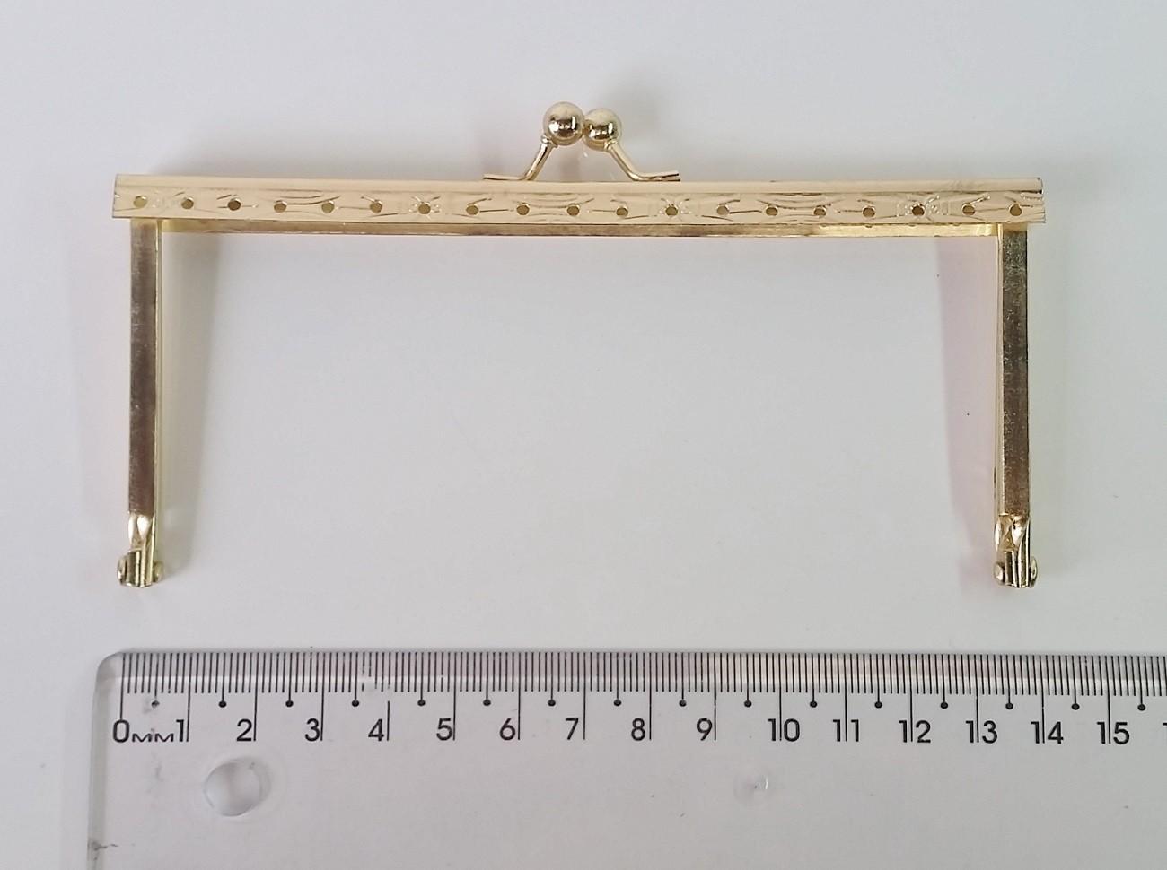 Armação 14cm x 6cm Desenhada c/ furos e argolas Latonada