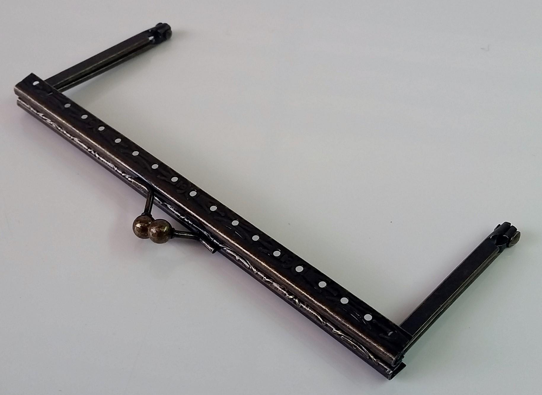 Armação 14cm x 6cm Desenhada c/ furos p/ costura Ouro Velho
