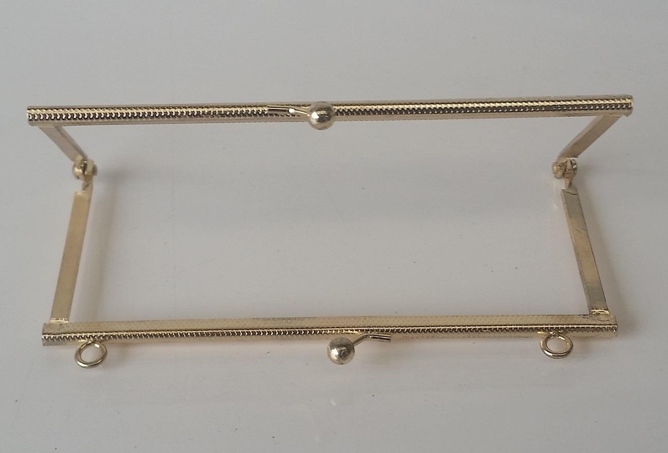 Armação 14cm x 6cm Gravada c/ furos e argolas Latonada