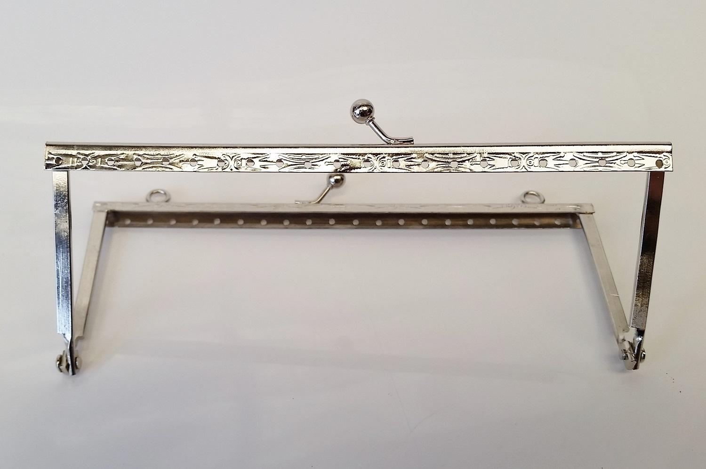 Armação 16 x 6cm Desenhada c/ furos e argolas Niquelada