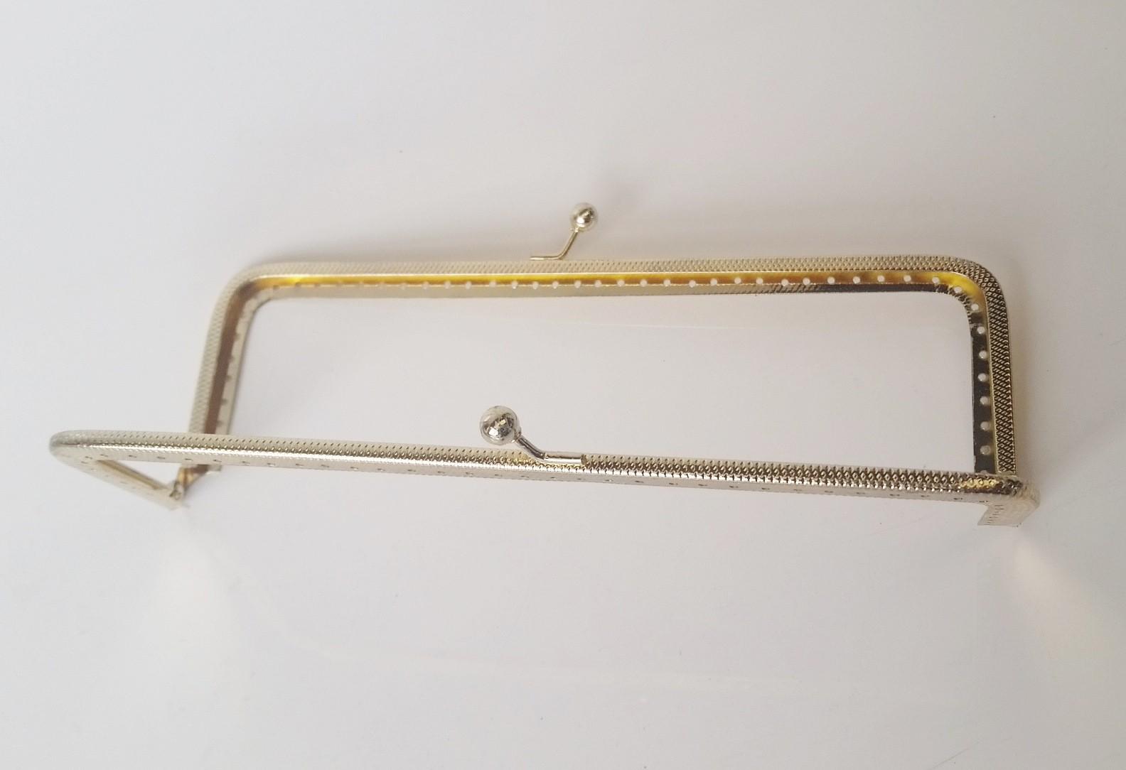 Armação 18cm x 6cm c/ furos p/ costura Latonada