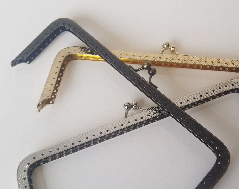 Armação 18cm x 6cm c/ furos p/ costura Niquelada