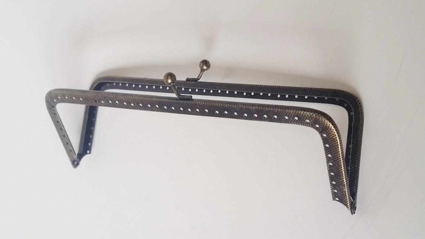 Armação 18cm x 6cm c/ furos p/ costura Ouro Velho