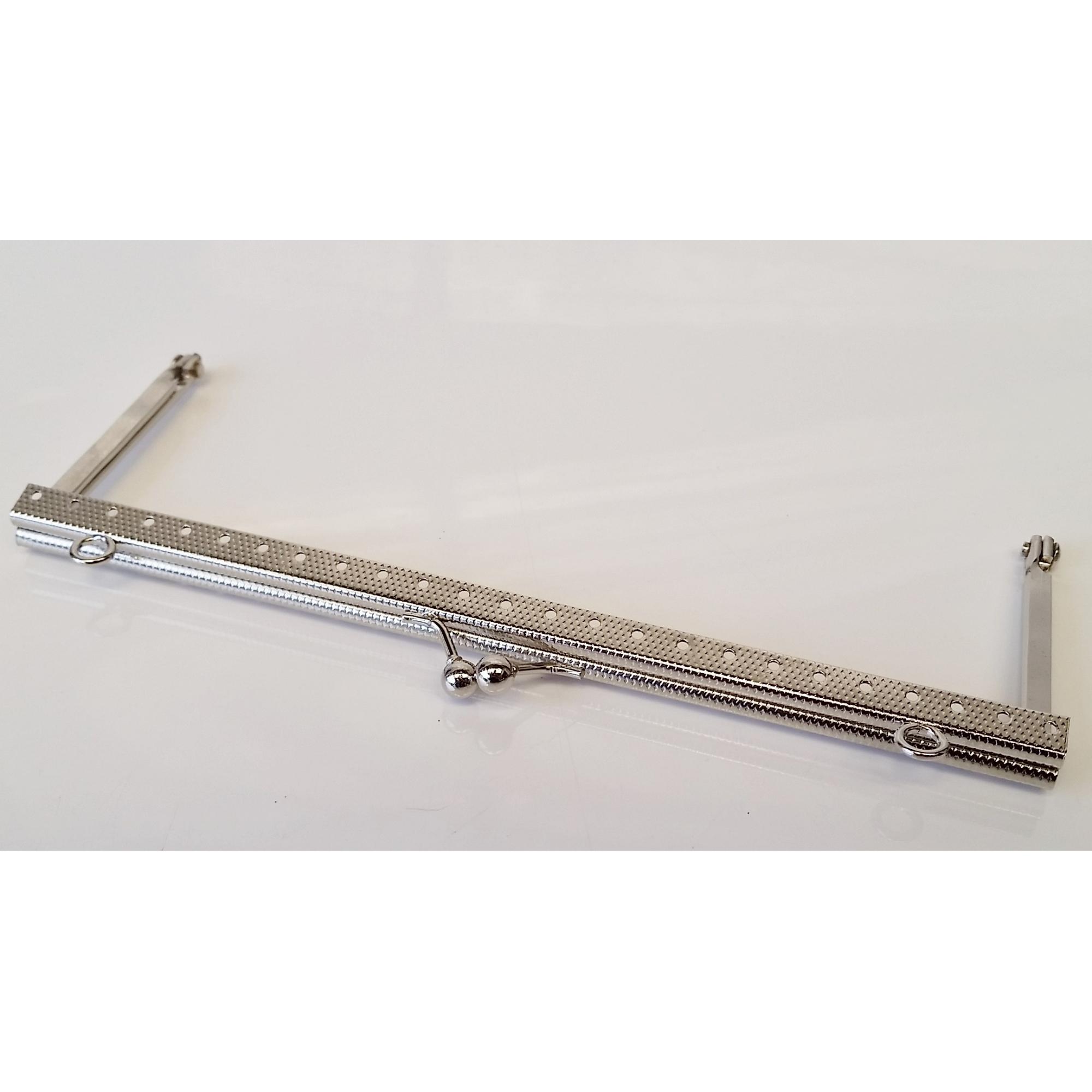 Armação 18cm x 6cm Gravada c/ furos e argolas Niquelada