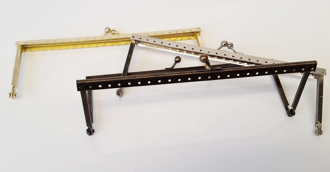 Armação 18cm x 6cm Gravada c/ furos p/ costura Latonada