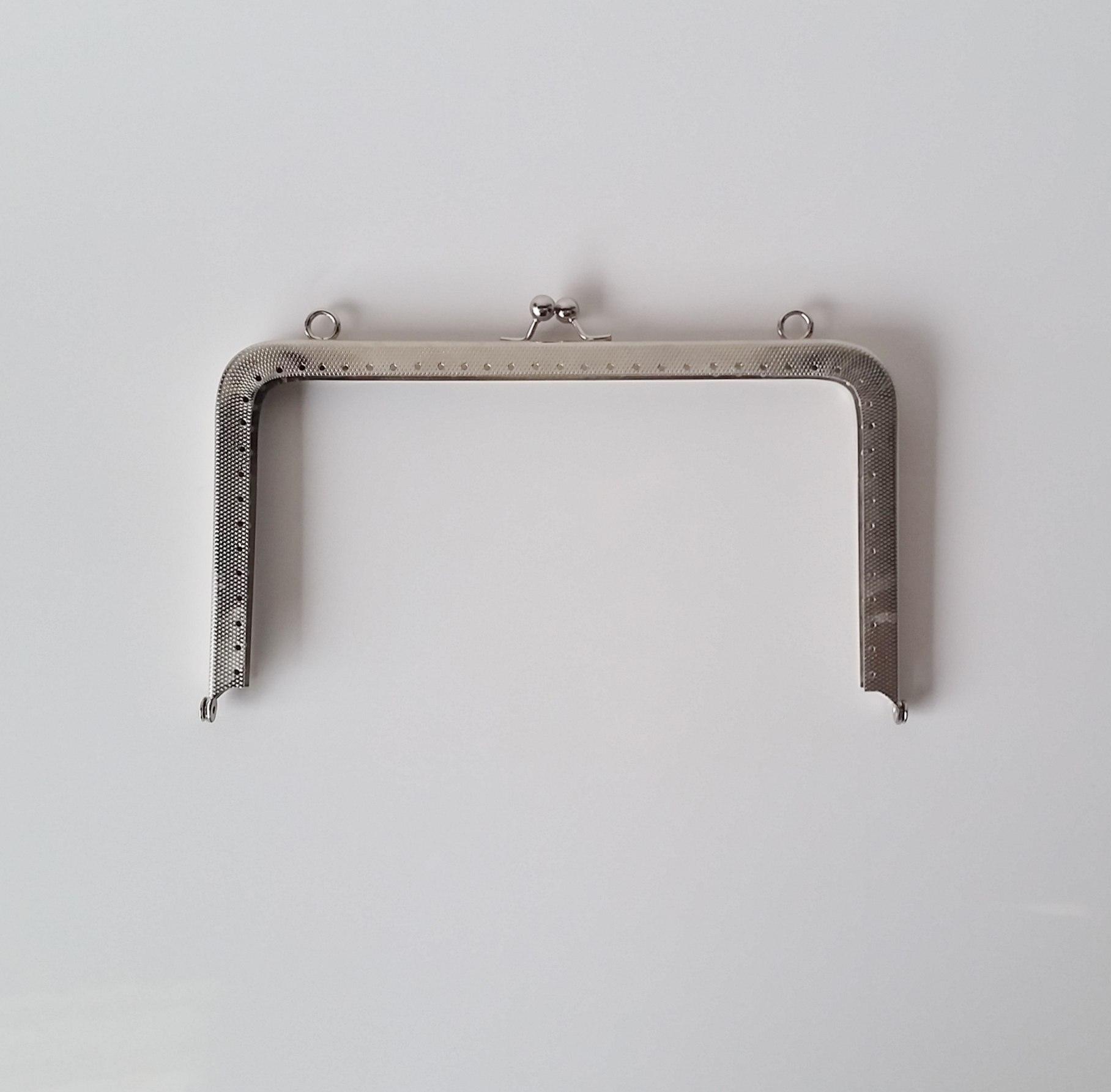 Armação 20cm x 11cm Gravada c/ furos e argolas Niquelada
