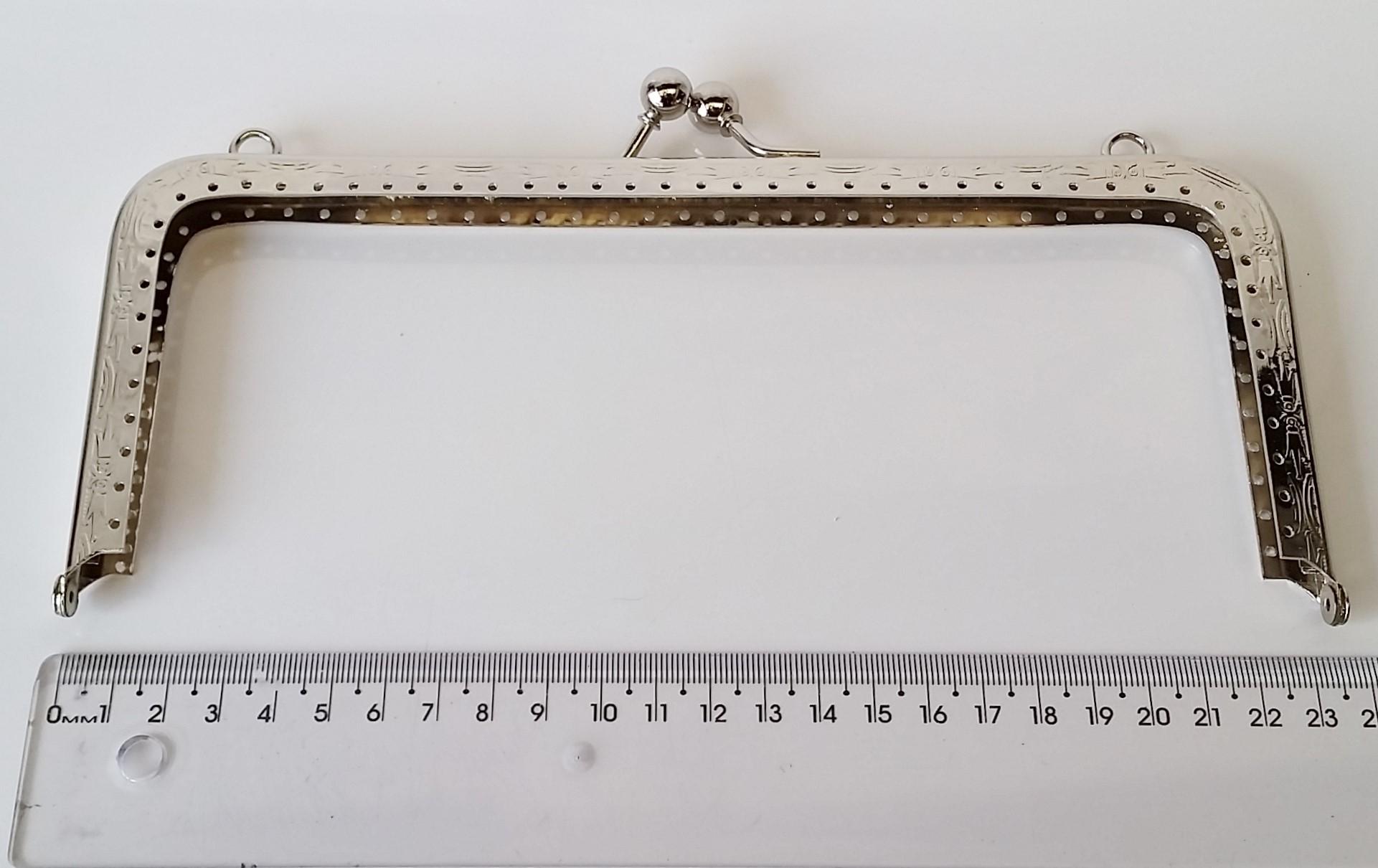 Armação 23cm x 10cm Desenhada c/ furos p/ costura Niquelada