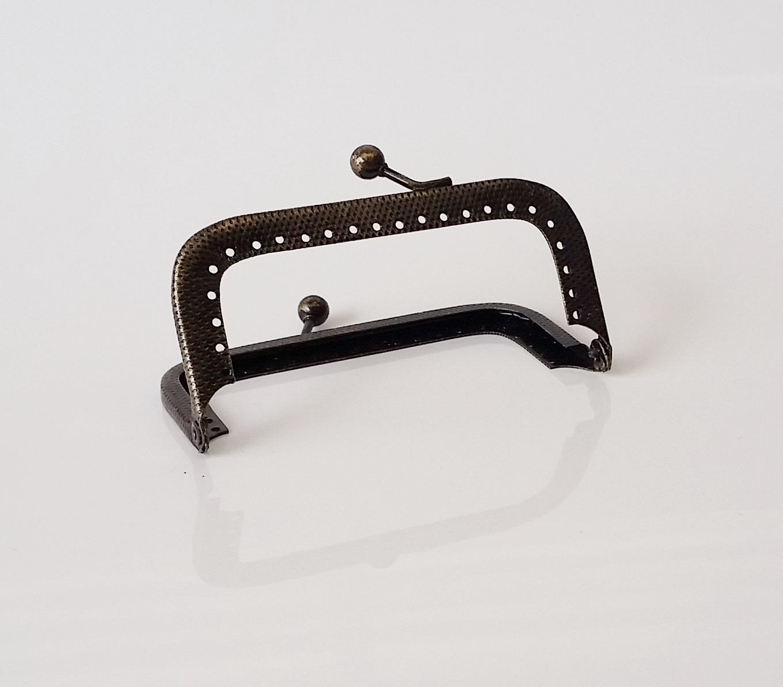 Armação 8cm x 4cm c/ furos p/ costura Ouro Velho