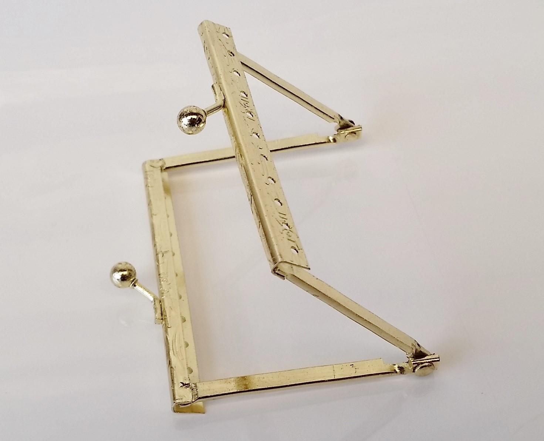Armação 8cm x 6cm c/ furos p/ costura Latonada