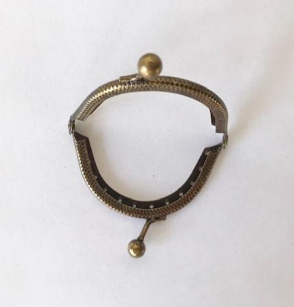 Armação Oval 5cm c/ furos p/ costura Ouro Velho