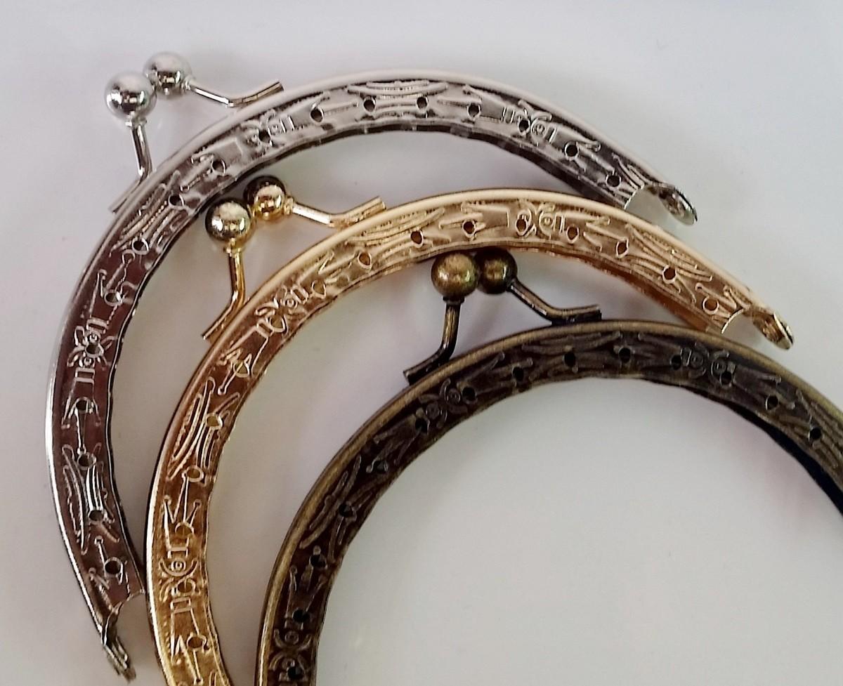 Armação Redonda 9cm x 5cm Desenhada c/ furos p/ costura Ouro Velho
