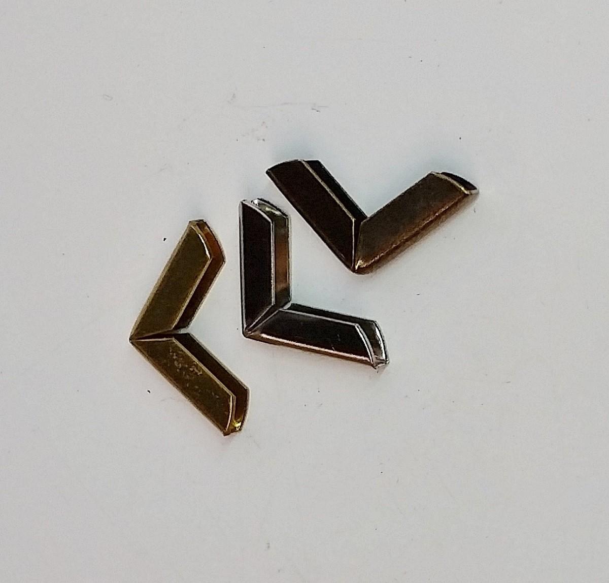Cantoneira 15mm x 15mm Ouro Velho