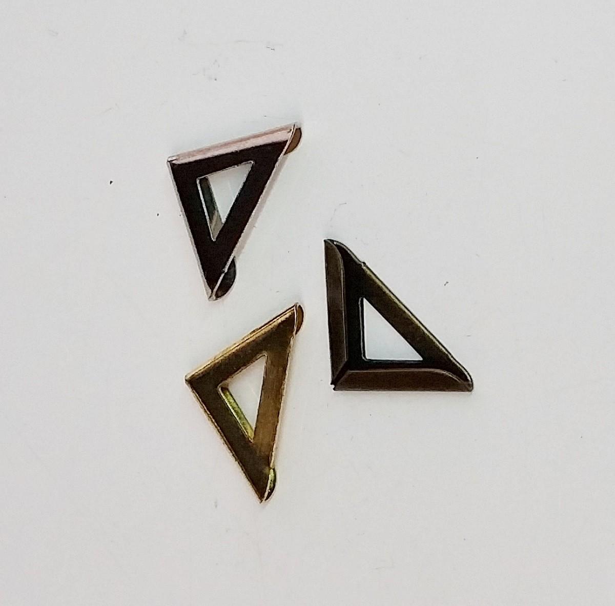 Cantoneira 15mm x 15mm Triângulo Ouro Velho