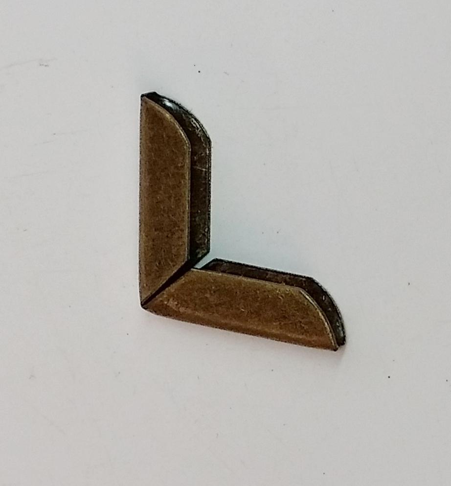 Cantoneira 20mm x 20mm Ouro Velho