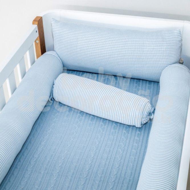 Conjunto de Rolos para Berço Tricot Benjamin Azul Bebê com Branco (1,20 cm x 13 cm)