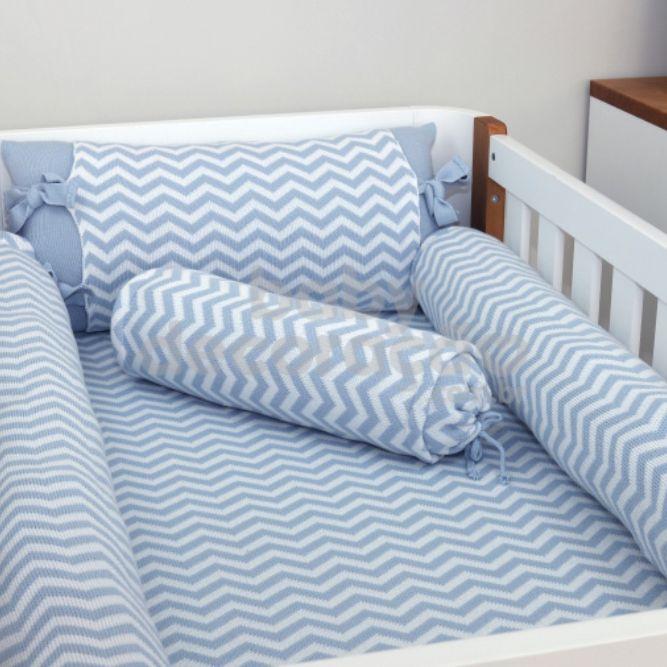 Conjunto de Rolos para Berço Tricot Sebastian Azul bebê com Branco (1,20 cm x 13 cm)