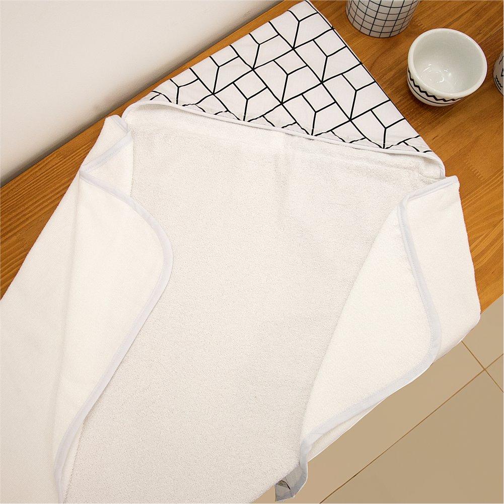 Toalha de Banho Kids Felpa Aveludada e Capuz Estampado Geometric Branco com Preto