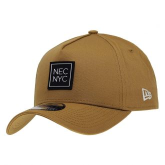 Boné New Era Aba Curva 940 SN Brand AF NEC NYC Rubber Marrom Claro