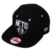 Boné New Era Aba Reta 950 SN NBA Nets Team Color