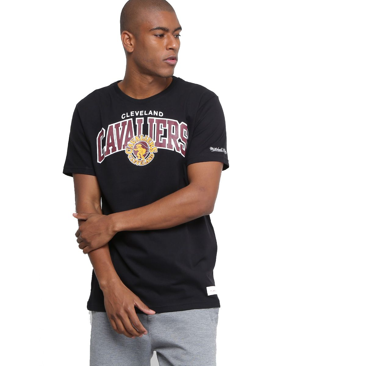 Camiseta Mitchell & Ness NBA Cleveland Cavaliers Team Arch Preto