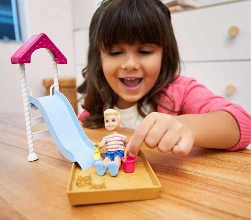 Boneco Barbie Skipper Babysitters Playground Parque Criança