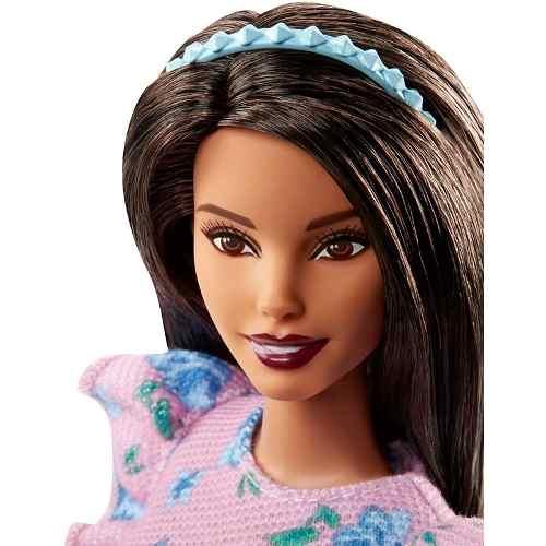 Boneca Barbie Fashionista 78 Curvy Gordinha Shorts Rosa