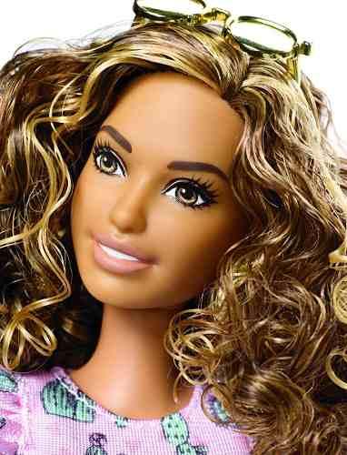 Boneca Barbie Fashionista 67 Vestido Cactos Cabelo Cacheado