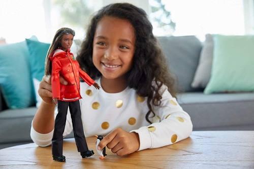 Barbie National Geographic Bióloga Marinha Polar Negra 2019