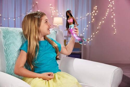 Boneca Barbie Dreamtopia Negra Sereia Do Arco-iris Com Luzes