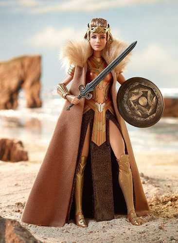 Boneca Barbie Collector Mulher Maravilha Rainha Hippolyta
