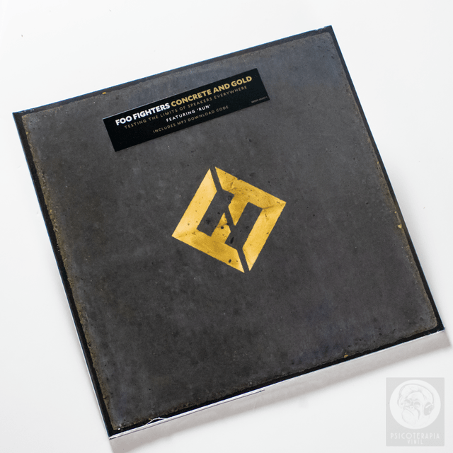 FOO FIGHTERS CONCRETE AND GOLD CD