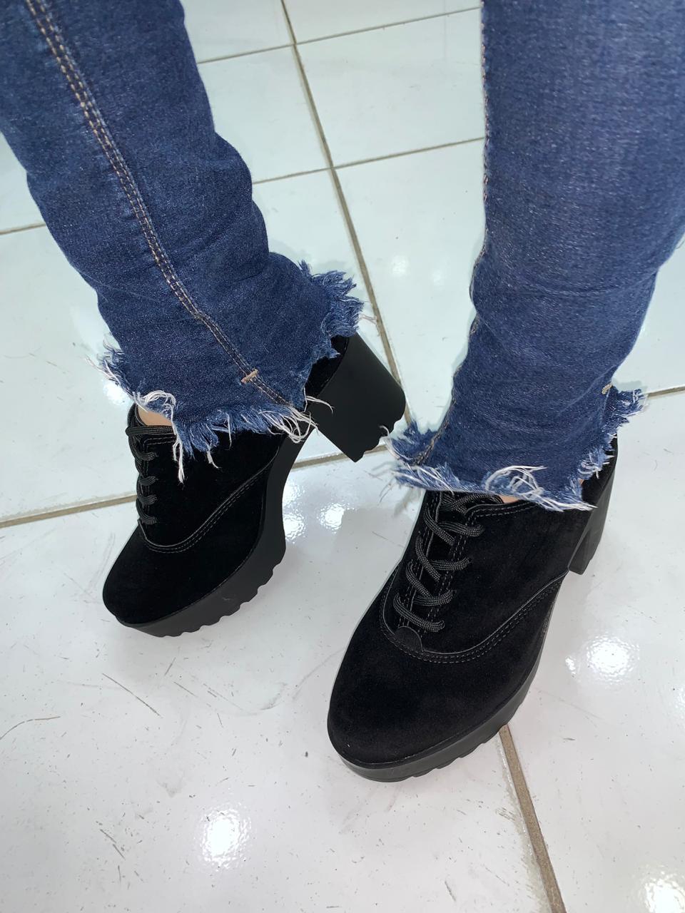 Sapato Oxford Moleca Salto Tratorado 5647.106 Feminino Preto