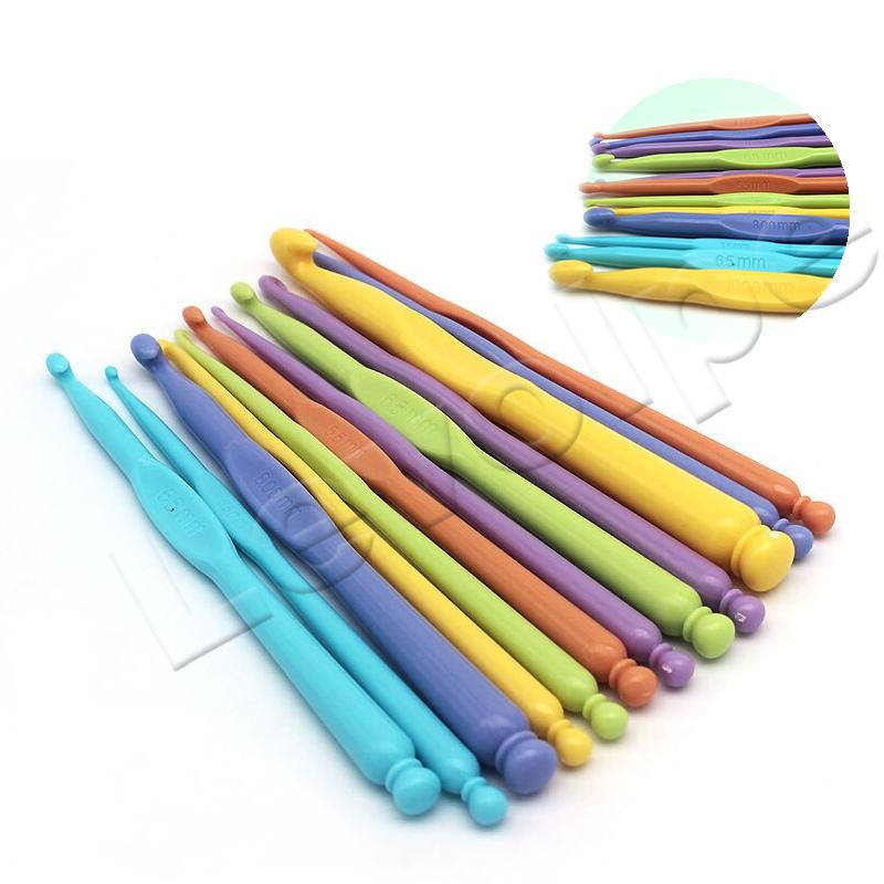 Kit 12 Agulhas De Crochê De Plástico Colorida