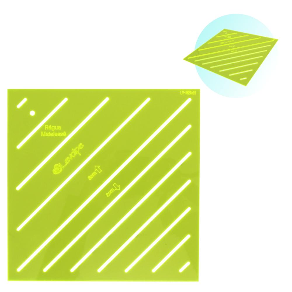 Régua Para Matelassê Quit Reto Com 2 e 3 Cm 20x20cm Verde
