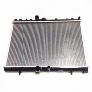Radiador de água Peugeot 207 - 307 - 407 - 308 - 3008 - 5008 1.6 07>> Aut. (ONE)