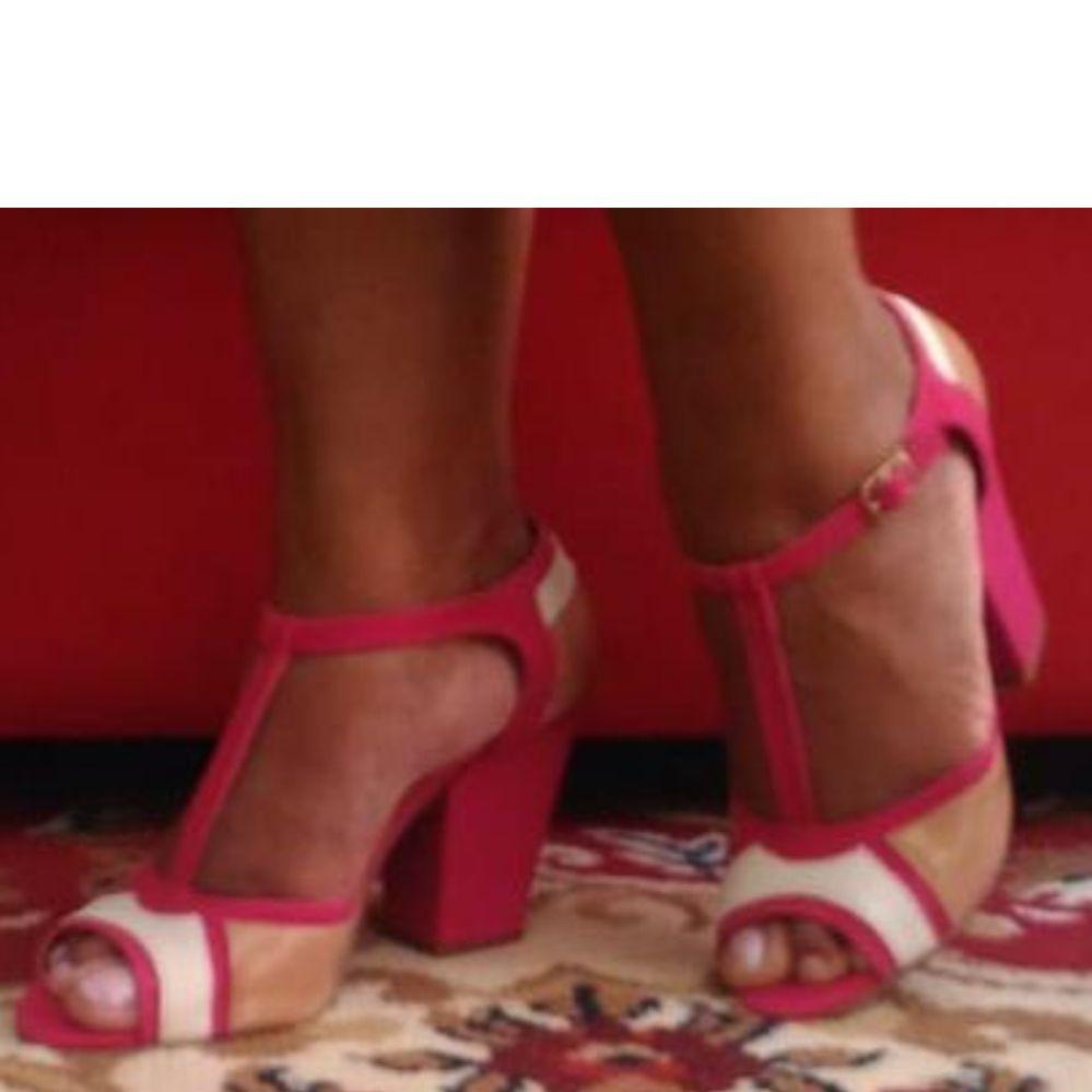 Sandália salto Bloco Pin Up Rosa e Branco