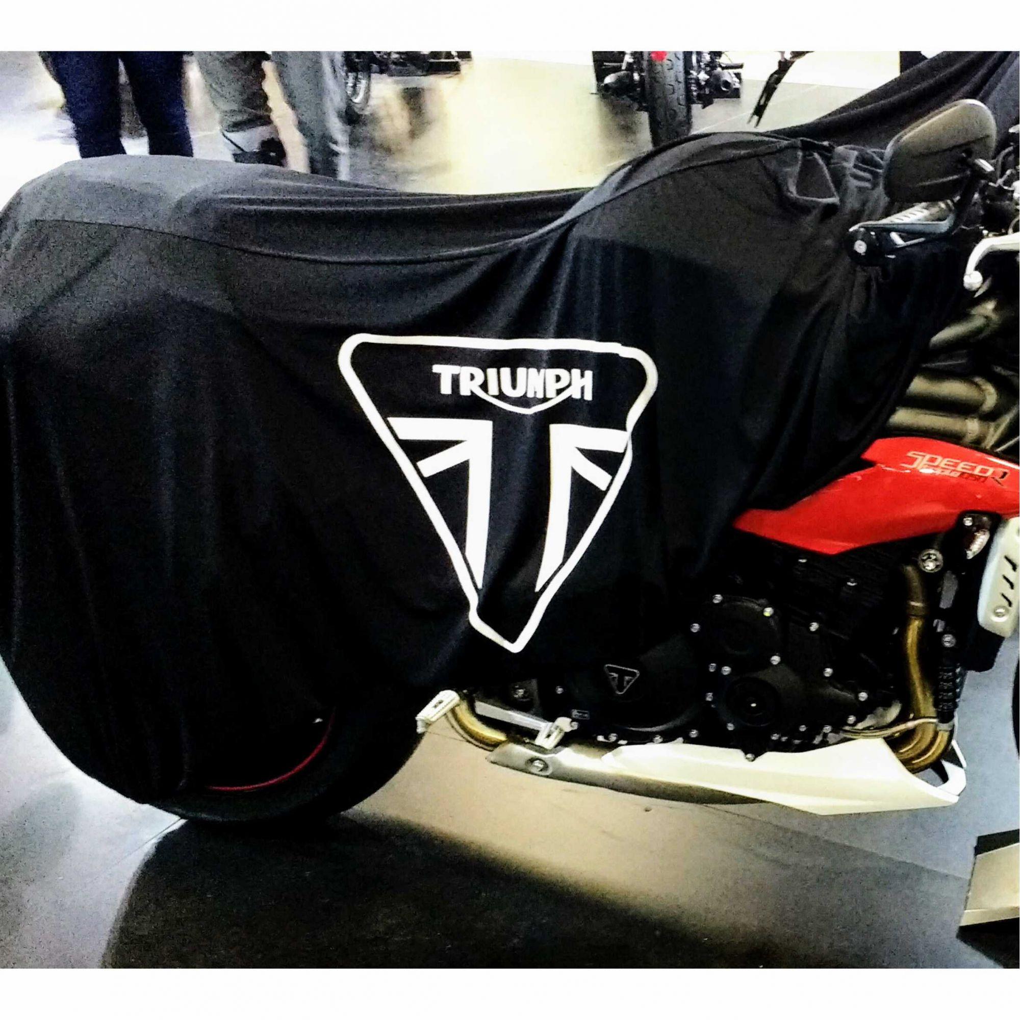 Capa Para Moto Premium Triumph Tam.M (permeavel)